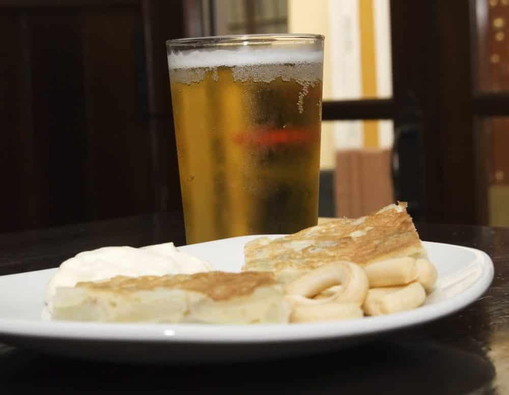 Cña con tapa de tortilla española
