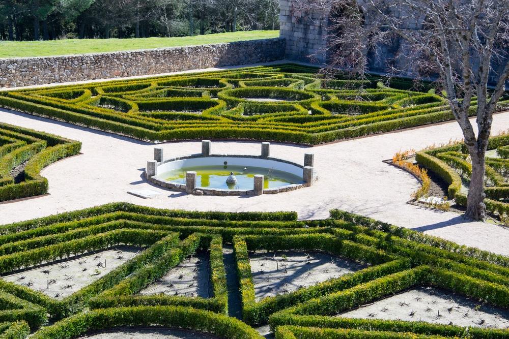 Jardines en el monasterio de El Escorial Madrid