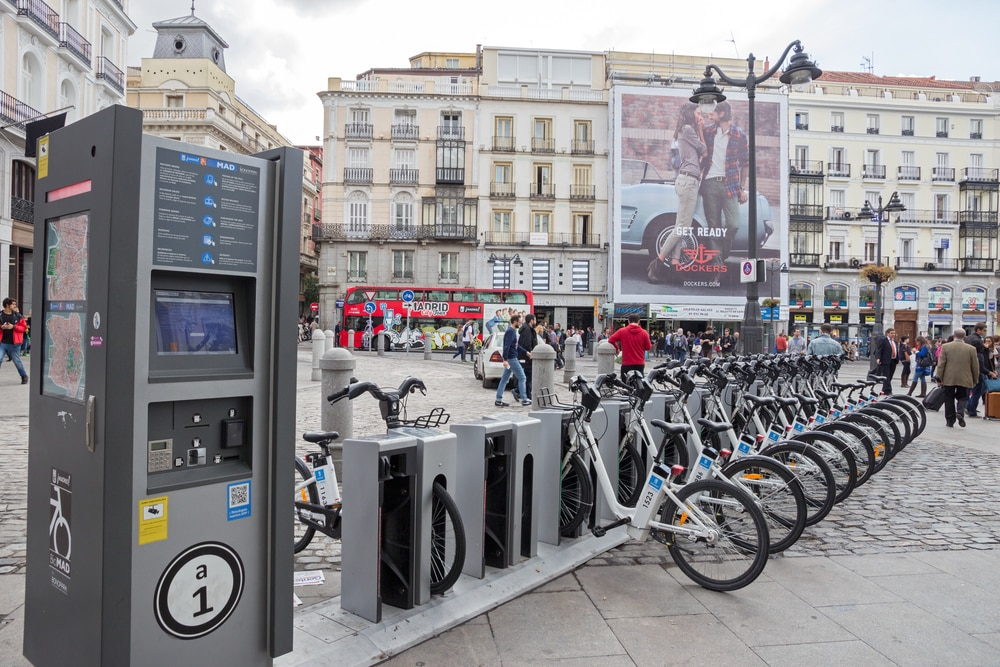 BiciMad Bicicletas eléctricas Tótem de bicis ecológicas