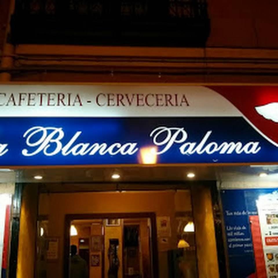 Fachada exterior cervecería La Blanca Paloma