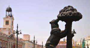 Puerta del Sol con el Oso y el Madroño