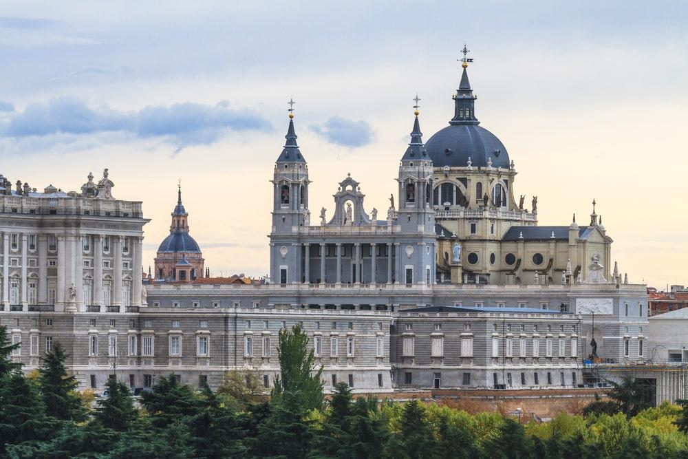 Palacio Real de Madrid vista panorámica catedral Almudena