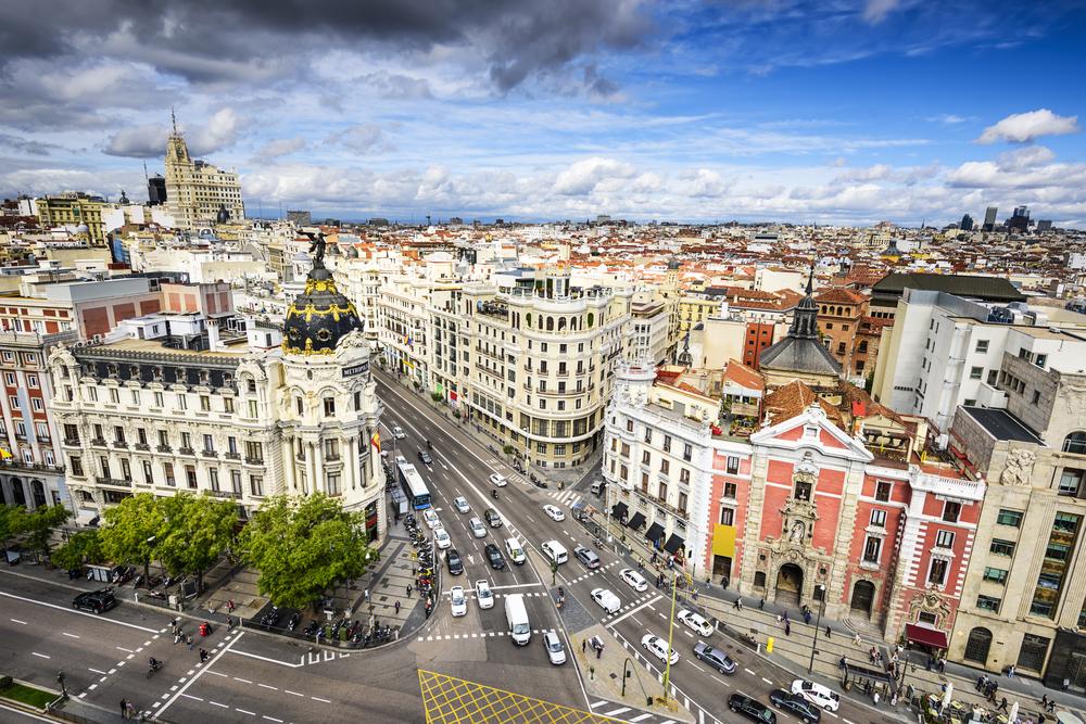 Vista general de la GRan Vía con calle Alcalá de Madrid. Principales edificios neoclásicos