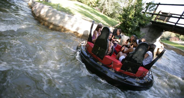 Atracción Los rápidos Parque atracciones Madrid