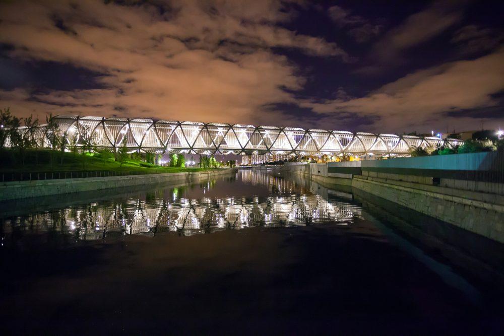Puente de Arganzuela en Madrid Río de noche