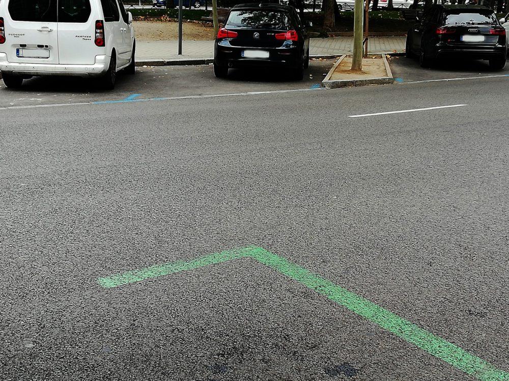 Zona azul y verde SER en calle céntrica de Madrid. Zona SER