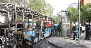 Autobús incendiado en Madrid